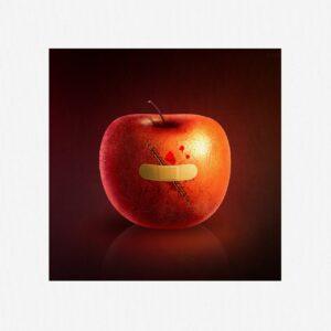 傷付いたリンゴ