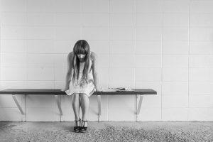親に認められない子どもは自信を失う