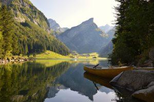 穏やかな川